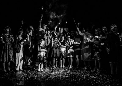 The guests in the dark with sparklers
